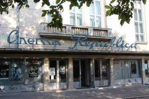 retro as retro can be: 1960s cinema, one of many in Iasi