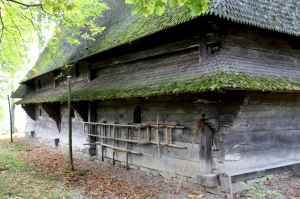 the wooden construction in Harnicesti