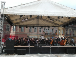 the Brasov Philharmonic, during afternoon practice