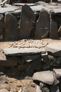 stone altar, used to dry fruits, in Tololelo