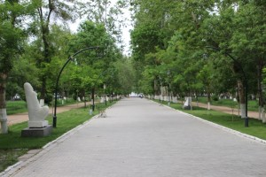the university boulevard, green and sculptured