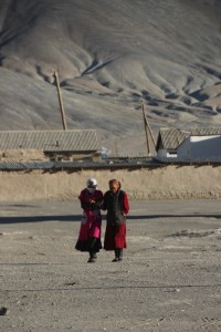 two women in Rangkul