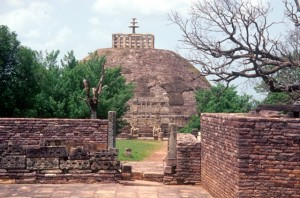 the main stupa at the Sanchi complex