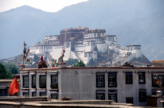 the Potala Palace seen from the roof of the Johkang temple