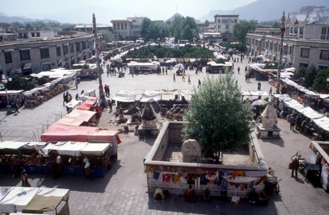 the market at Barkhor Square