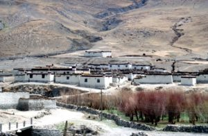 village in the Yarlung Valley