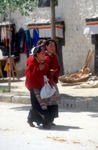 two women shopping in Gyantse