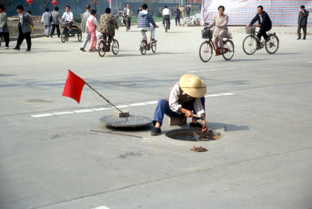 street repairs in Chengdu