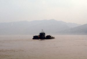 traffic on the Yangzi River