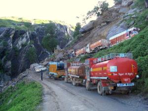 first convoy negotiating a bend near Manali (courtesy Gijs Remmelts)