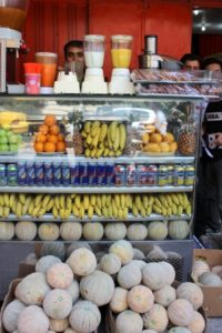 a fresh fruit juice stand, plenty of choice