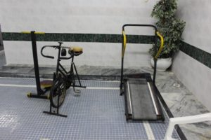 and the rather sad colelction of excercise equipment