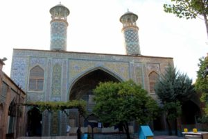 and this is the mosque itself, bordering the courtyard